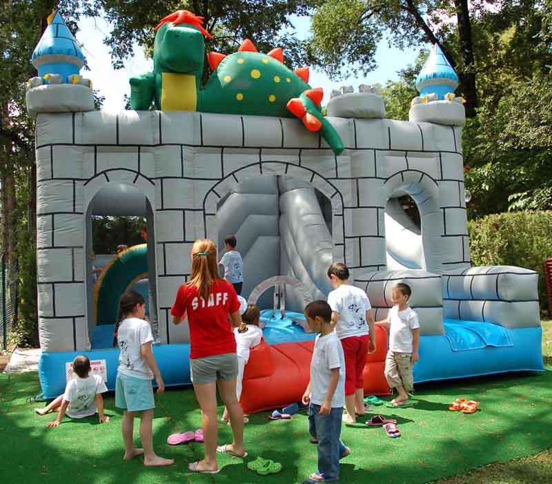 Noleggio giochi gonfiabili Cattolica feste bambini truccabimbi